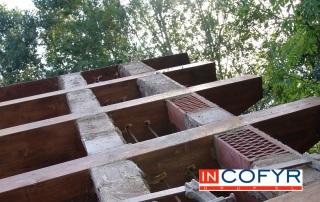 Colocación de barbacanas de madera