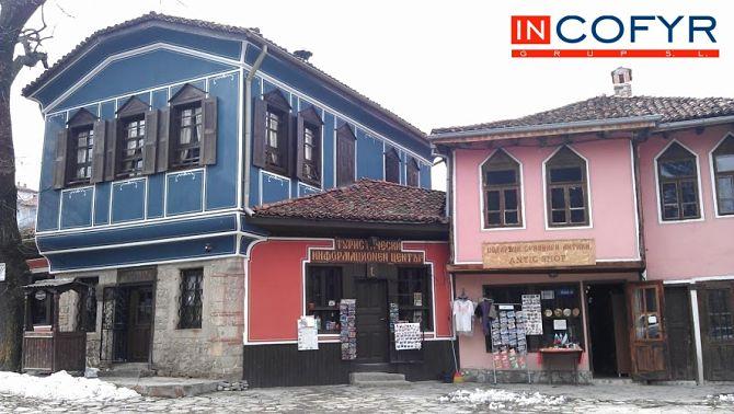 Incofyr empresas de reformas y construcci n for Colores para pintar fachadas de casas