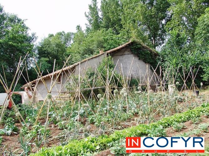 Empezamos la reforma de un molino antiguo el moli del ral for Cambiar tejado casa antigua