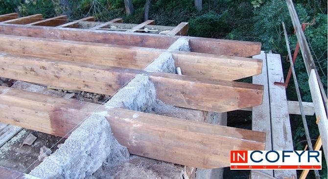 Unión entre vigas de madera