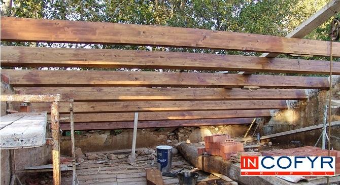Reforma de un tejado de madera casa vieja incofyr for Tejados de madera para exterior