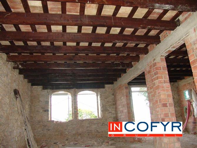 Detalle de nuestro techo de madera rustico terminado