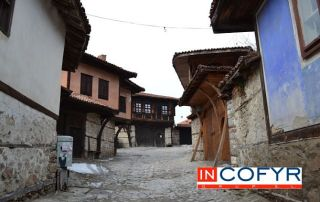 Fachadas rusticas en casas pequeñas de estilo balcánico